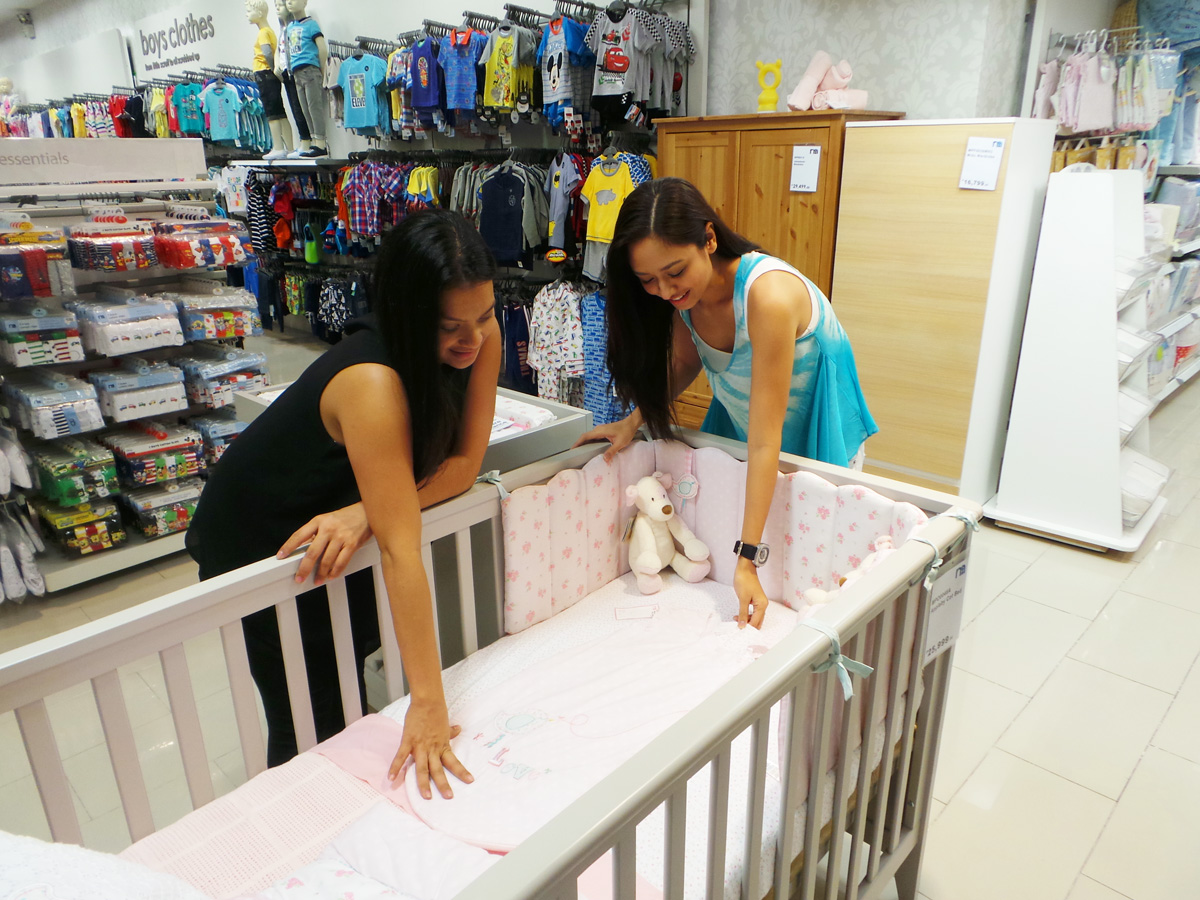 Crib for sale in davao city - Bianca Really Needed A Crib So We Looked At The Different Ones At Mothercare Design And Color Were Important But Function Is Really The Deciding Factor