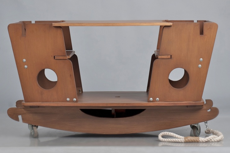 Tristan_Table with Wheels