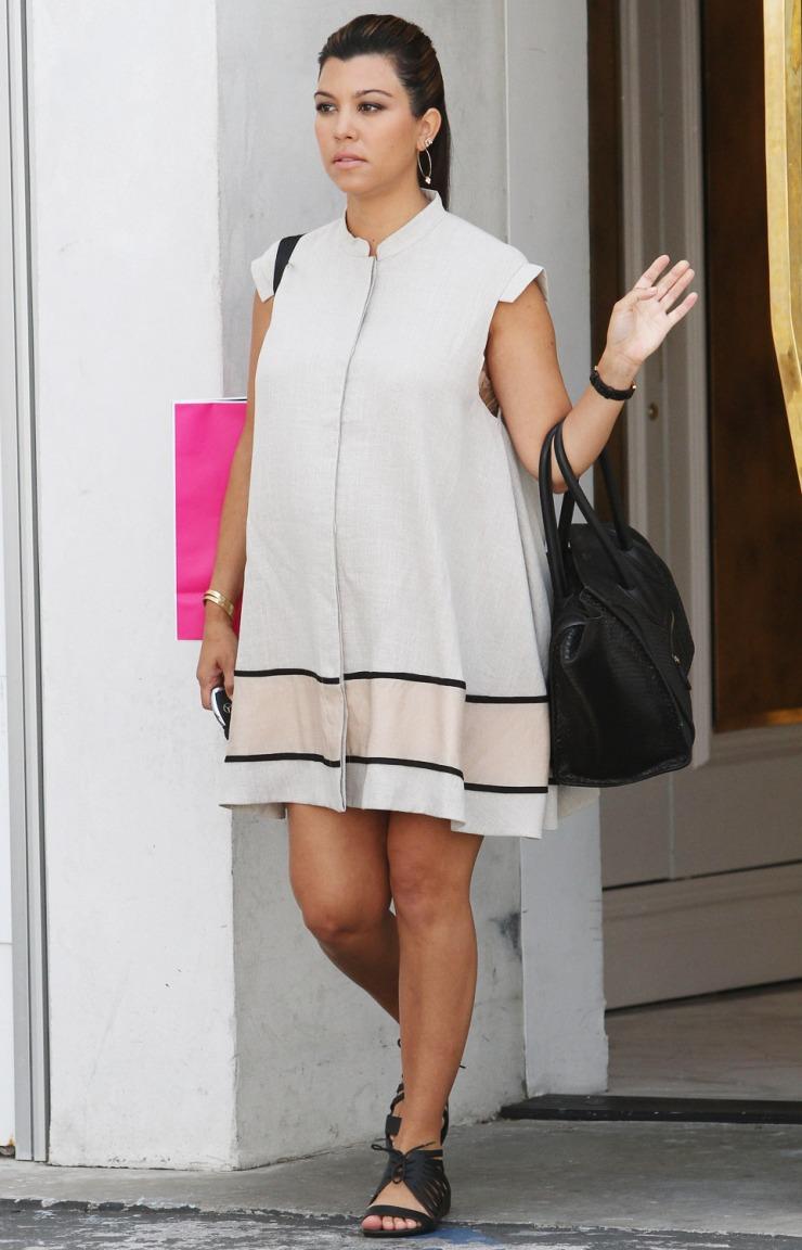 kourtney-kardashian-maternity-dress