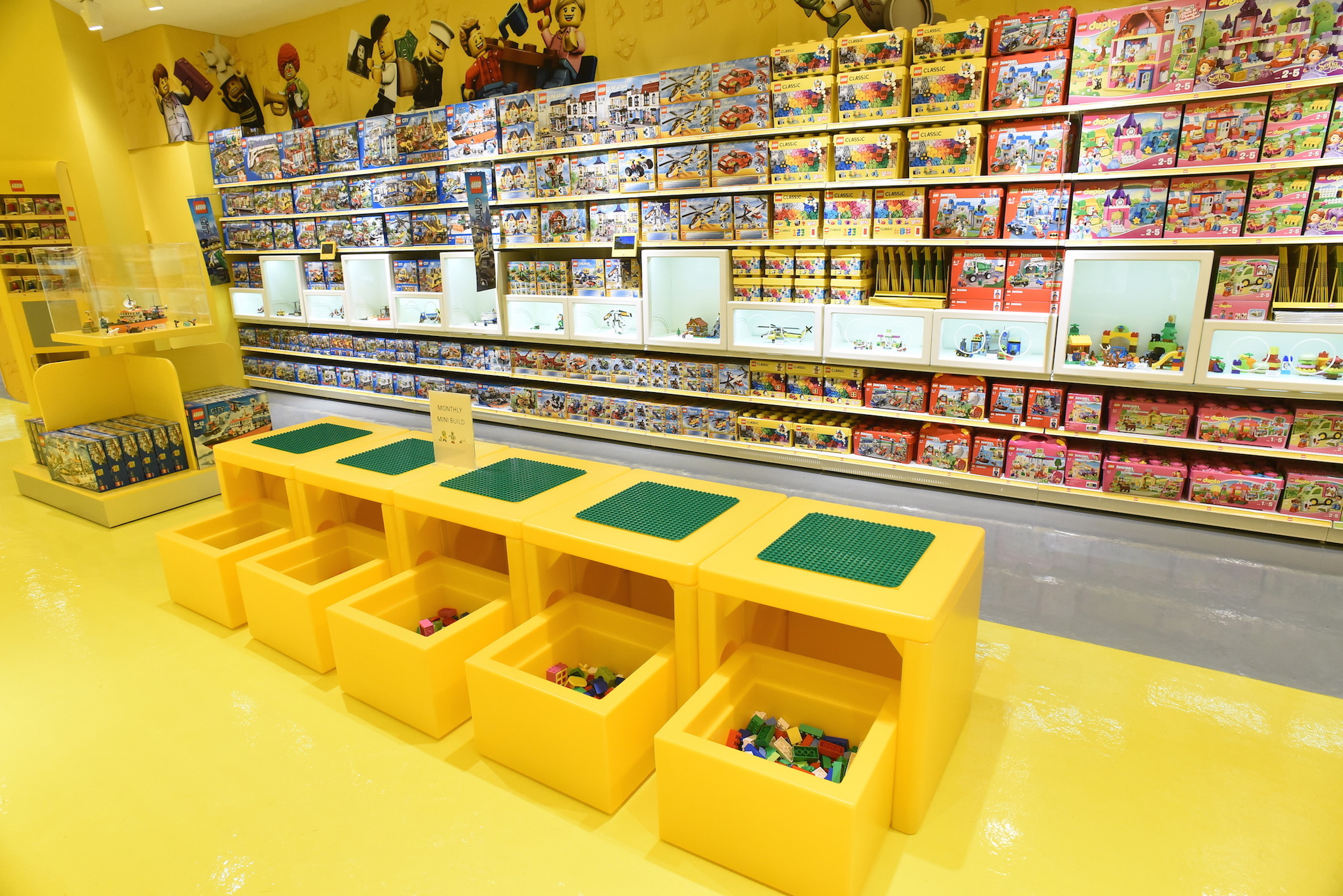 Your survey did not work. My receipt code this time was Lego Stockholm , sales persons Cica and Mirjam. I visited your Lego store in Stockholm on behalf of my grandsons (living in Helsinki, Finland) aged 5 and 3.